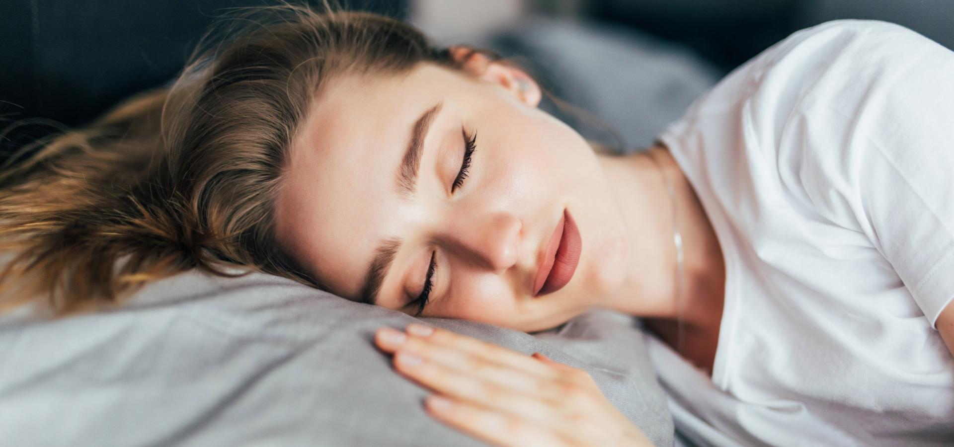 Melatonina: benefici per il riposo